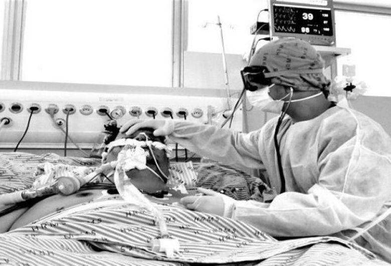 OMS: mortes por covid-19 podem dobrar para 2 milhões antes de vacina