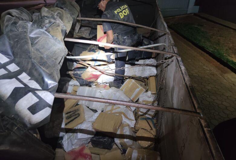 Carreta que seguia para o RS com mais de três toneladas de maconha foi apreendida pelo DOF