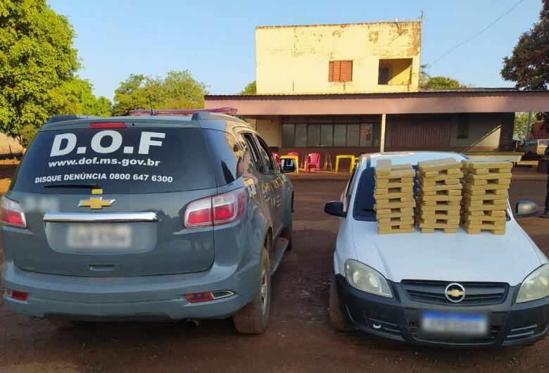 Veículo que seguia para o Paraná com quase 100 quilos de maconha foi apreendido pelo DOF