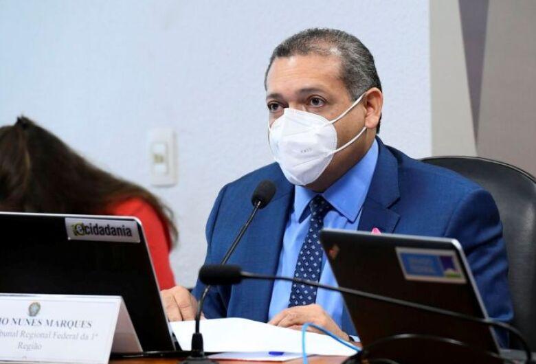 Em sabatina, Kassio Nunes responde a perguntas sobre armas e Lava Jato