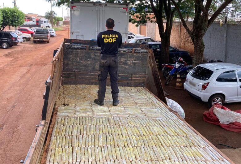 Polícia apreende carreta com 1,8 tonelada de drogas