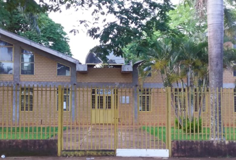 Bibliotecas fechadas na pandemia desestimulam leitores em Dourados