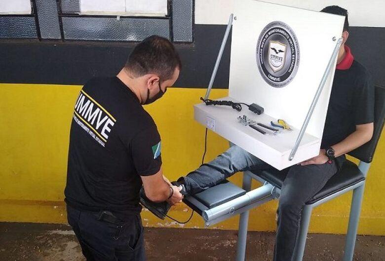 Cadeira criada por servidor da Agepen garante mais eficiência e segurança na instalação de tornozeleiras