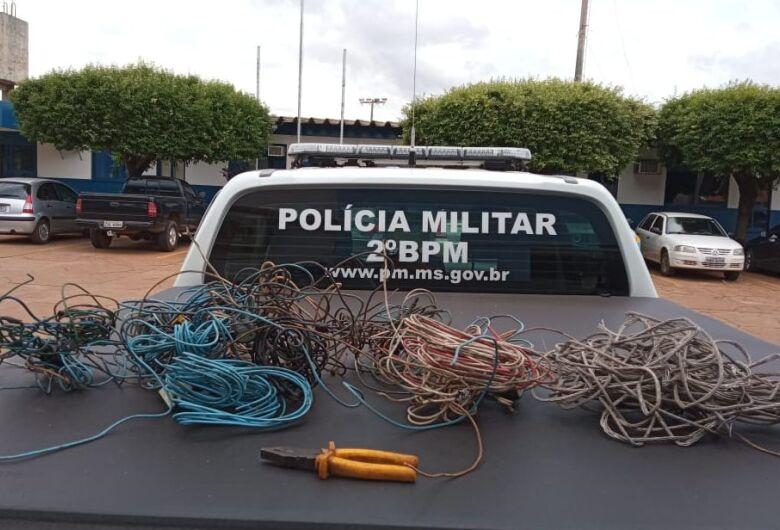 Homem é preso em flagrante furtando fios elétricos de residência