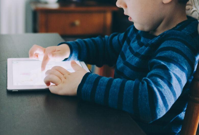 Pandemia antecipa em cinco anos a transformação digital na educação básica