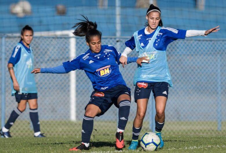 Bolsonaro sanciona lei de ajuda ao esporte com veto a auxílio emergencial para o setor