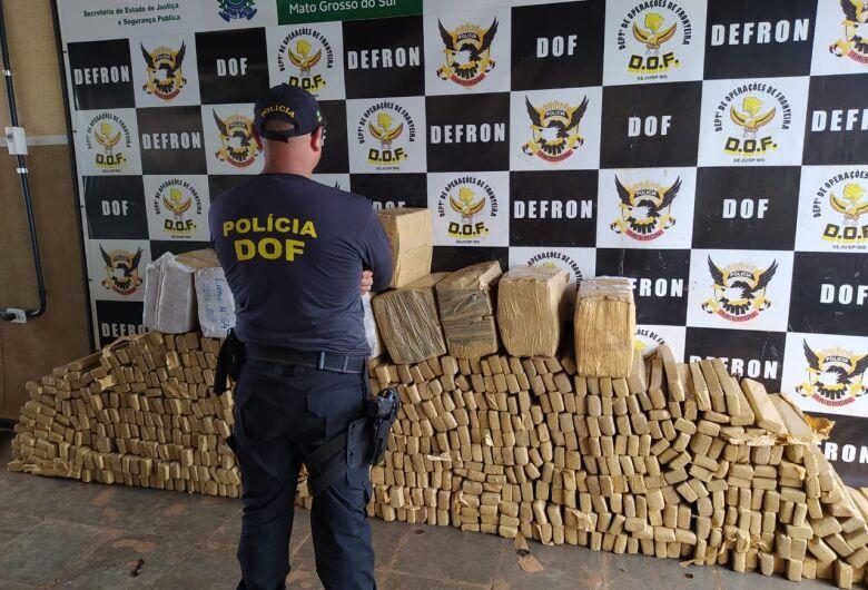 Camionete roubada e carregada com mais de uma tonelada de maconha foi apreendida pelo DOF