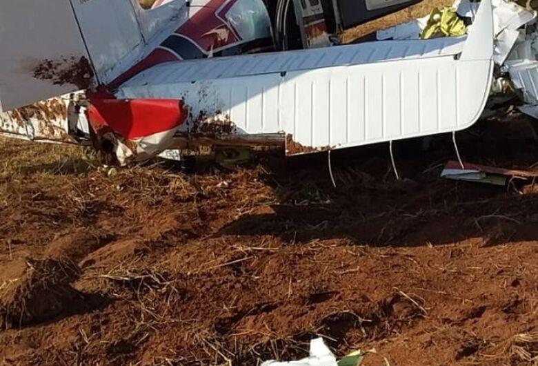 Aeronave pilotada por médico e que caiu em fazenda tinha 'buraco no motor': 'Ele nasceu de novo', diz perito