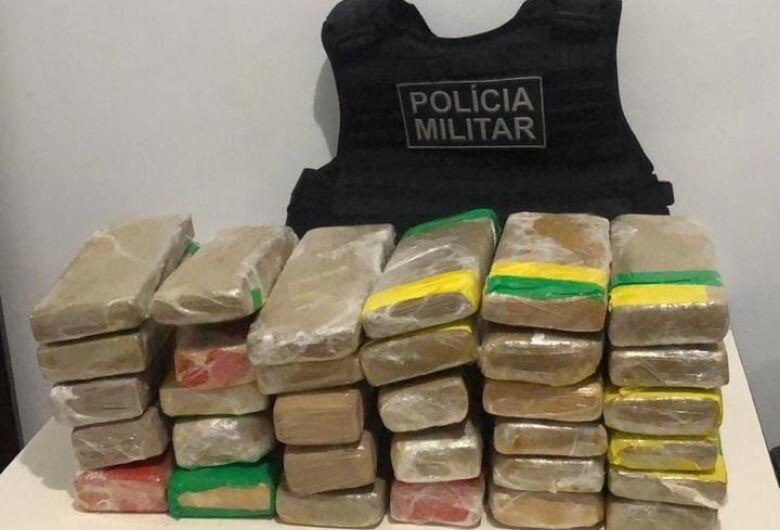 Mulher é presa com drogas pela segunda vez no mesmo mês