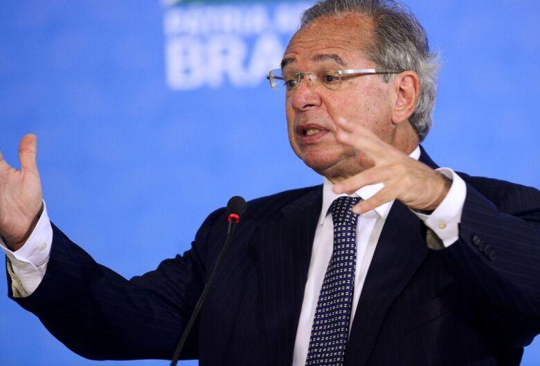 """Guedes anuncia que vai para o """"ataque"""" com privatizações e reformas"""