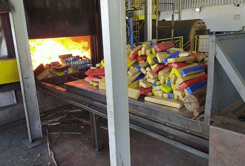 Polícia Civil incinera 822 kg de drogas em Nova Andradina