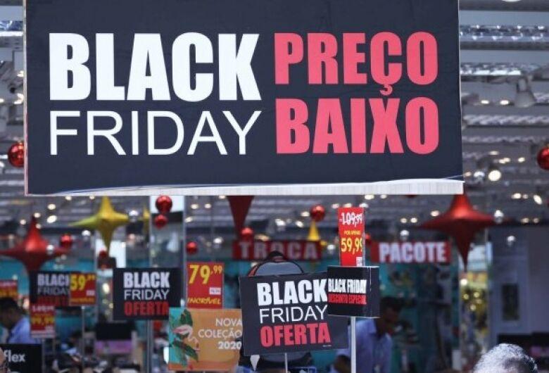 População deve ficar atenta para publicidade na Black Friday, diz diretor do Procon