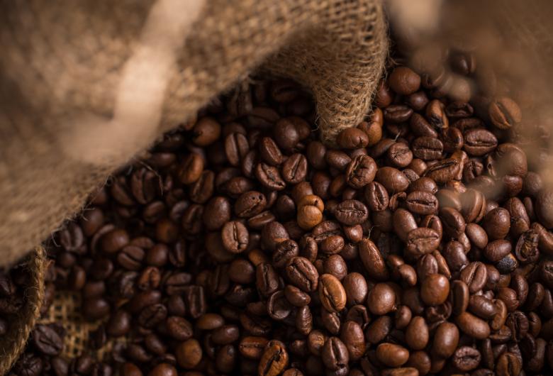 Exportações dos Cafés do Brasil atingem 4,1 milhões de sacas em outubro e batem recorde histórico para o mês