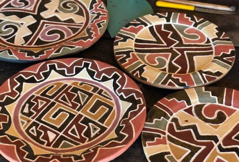 Governo apoia projeto de geração de renda com cerâmicas Kadiwéu