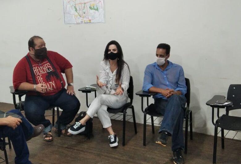 'É preciso um  projeto arquitetônico para discutir a reforma do teatro', diz Mara Caseiro
