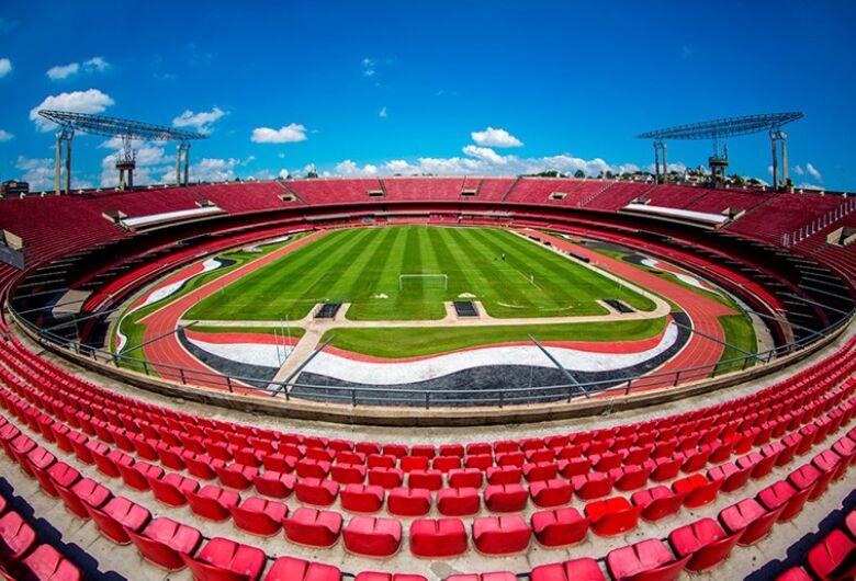 São Paulo e Flamengo duelam por vaga na semifinal