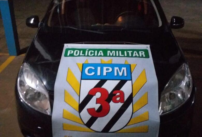 Veículo com chassi adulterado e conduzido por adolescente é apreendido pela PM