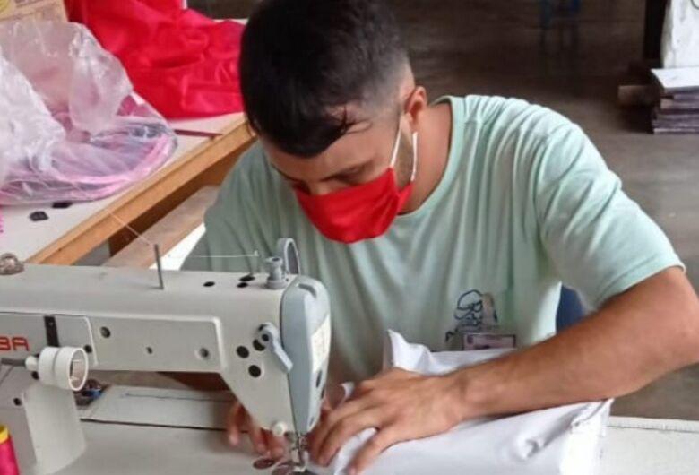 Na prisão, Marcelo encontrou uma profissão e renovou a esperança com a costura