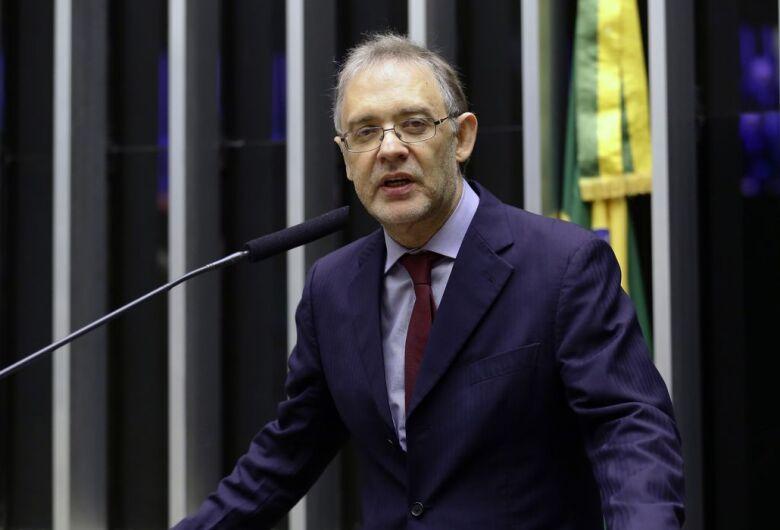 Lucchesi é reeleito presidente da ABL pelo quarto mandato consecutivo