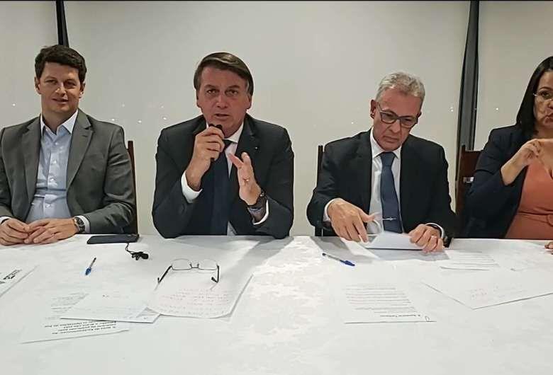 Bolsonaro pede que população economize energia elétrica