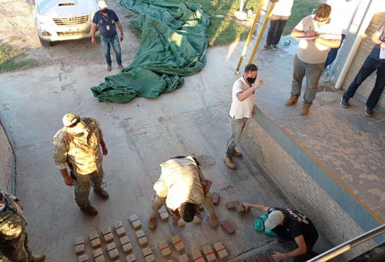 Senad apreende mais de 114kg de cocaína em carga de cimento boliviano