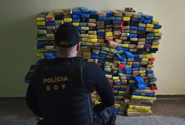 Quase meia tonelada de maconha é apreendida pelo DOF na fronteira