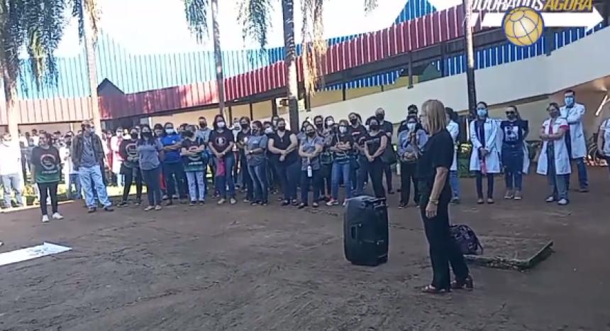 Servidores da saúde protestam na prefeitura e questionam promessas não cumpridas