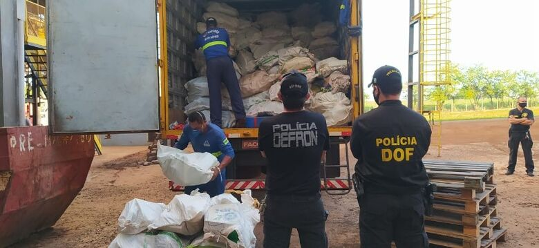 Polícia bate recorde e incinera 209 toneladas de drogas -