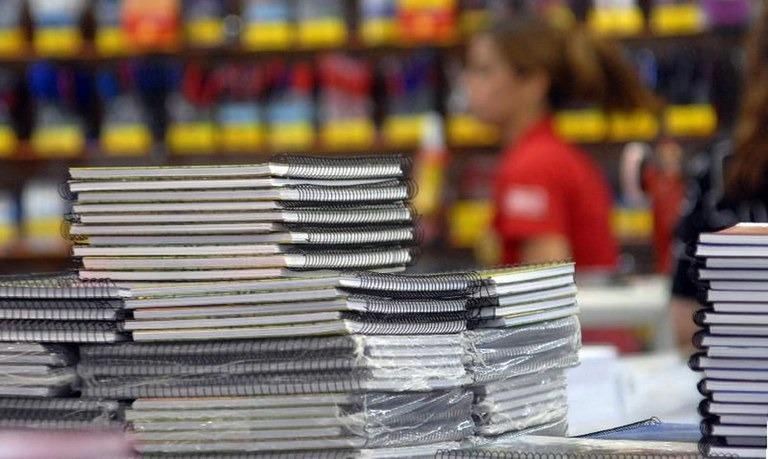 Fique atento na hora de comprar materiais escolares - Crédito: Agência Brasil