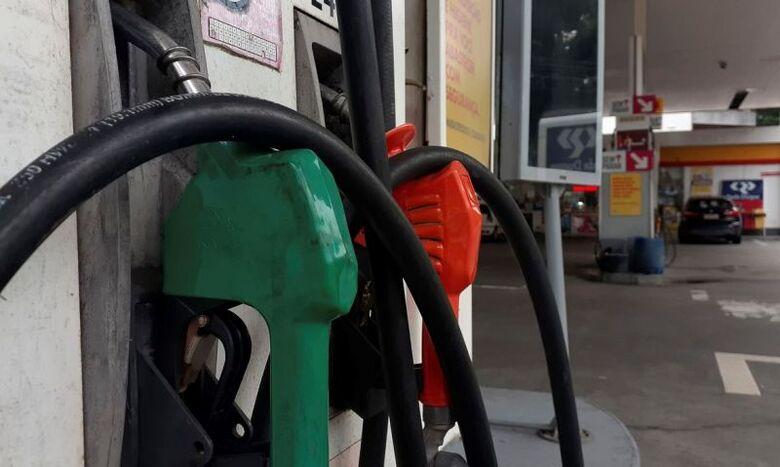 Litro da gasolina sobe R$ 0,15 nas refinarias da Petrobras - Crédito: © Fernando Frazão/Agência Brasil