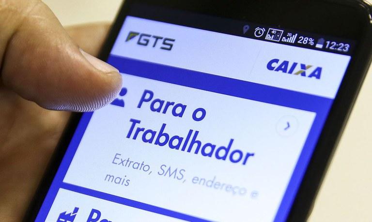 Projeto permite saque emergencial do FGTS por trabalhadores do Amapá - Crédito: Agência Brasil