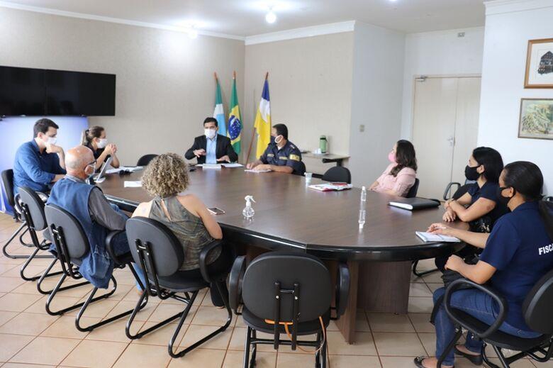 Representante do Comitê se reuniram para elaborar ações da força-tarefa de fiscalização das regras do Decreto Municipal - Crédito: Mayara Freire