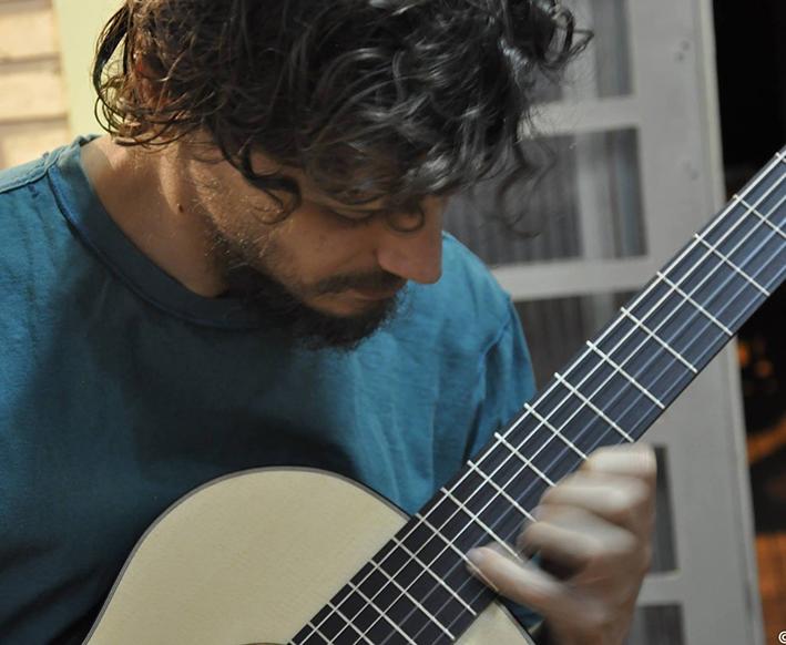 Luthier - arte de fabricar instrumentos musicais - Crédito: Divulgação