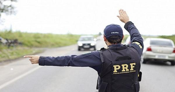 PRF publica edital de concurso com 1,5 mil vagas e salários de R$ 9,8 mil - Crédito: Divulgação