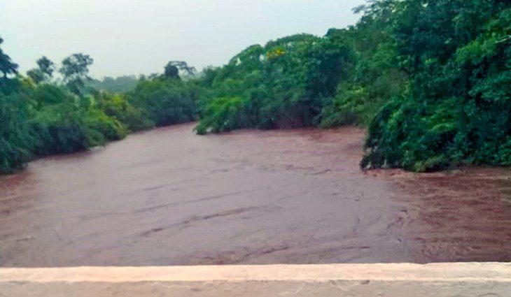 Rio Miranda em Bonito atinge nível de emergência e deixa Defesa Civil em alerta - Crédito: Divulgação
