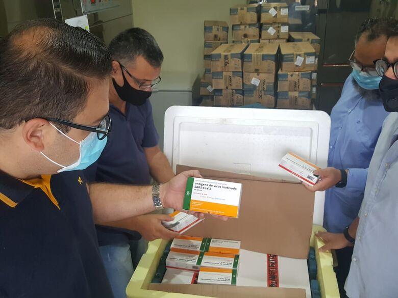 Dourados começa vacinação contra Covid às 11h com profissionais da saúde - Crédito: Divulgação