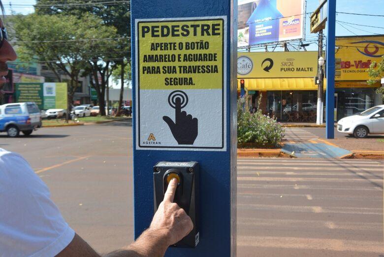 Agetran reativa semáforo com interação de pedestres - Crédito: Leandro Silva
