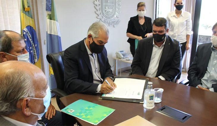 Reinaldo Azambuja anuncia troca de secretários - Crédito: Chico Ribeiro