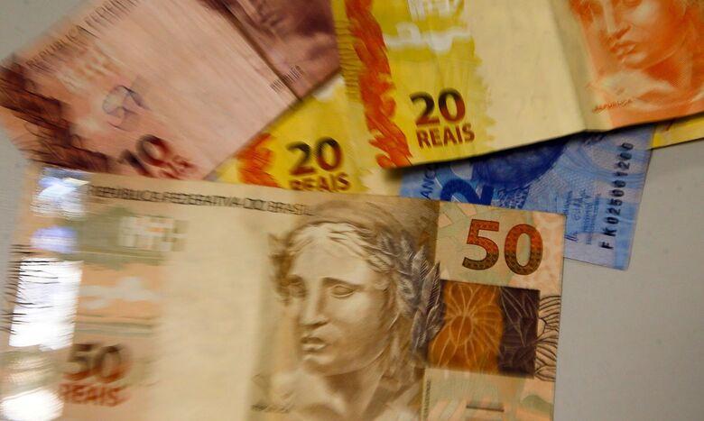 Arrecadação de impostos em janeiro somou R$ 180,221 bilhões - Crédito: Marcello Casal Jr/Agência Brasil