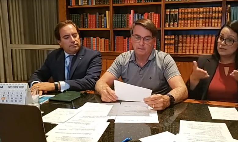 Bolsonaro: auxílio deve voltar em março, com parcelas de R$ 250 -