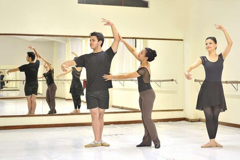 Studio Blanche Torres oferece balé gratuito para adultos - Crédito: Divulgação