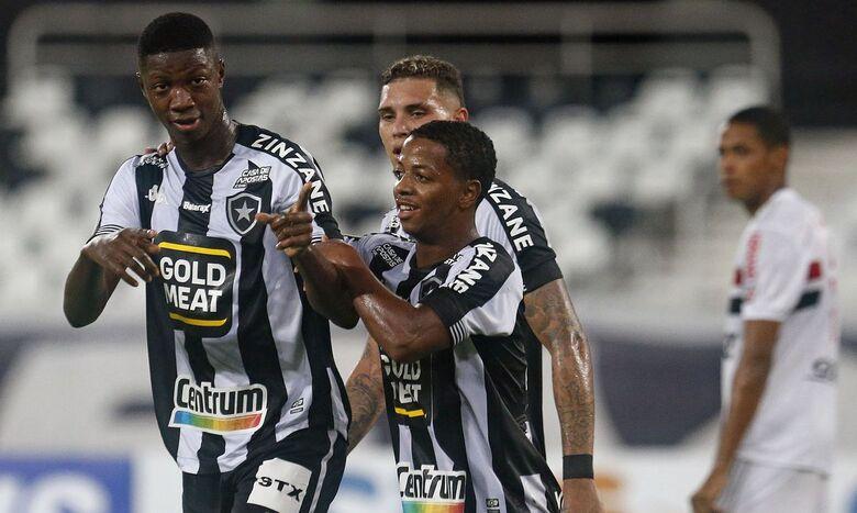 Mesmo rebaixado, Botafogo vence São Paulo por 1 a 0 - Crédito: Vitor Silva/Botafogo