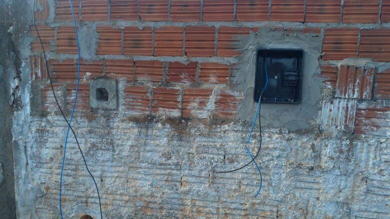 GM prende ladrão no momento em que furtava fiação de residência - Crédito: Divulgação
