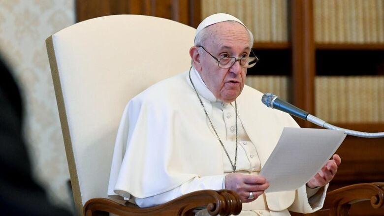 Igreja Católica não pode abençoar uniões homossexuais, afirma Vaticano -