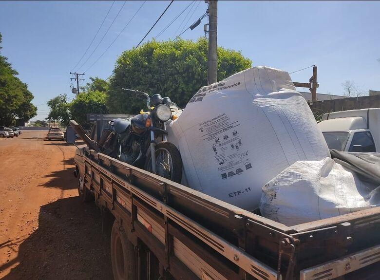 Defron desarticula quadrilha e recupera camionete, moto, sementes e adubos -