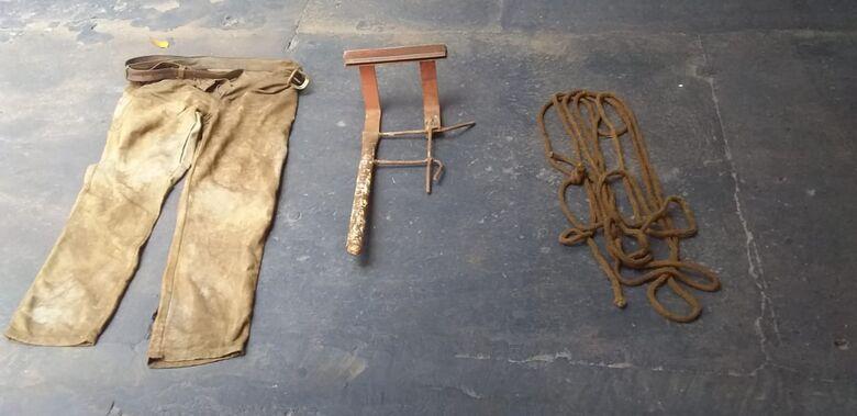Polícia apreende corda e barra de ferro usada para matar homem em Dourados - Crédito: Cido Costa
