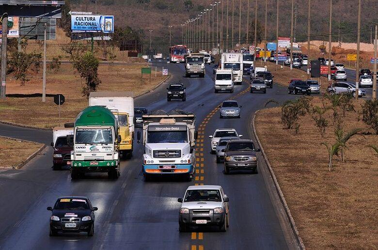 Novas regras de trânsito, como pontuação da CNH, entram em vigor nesta segunda - Crédito: Pedro França/Agência Senado