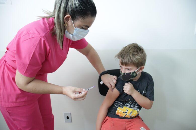 Vacinação contra a Influenza acontece sem filas nas unidades de saúde de Dourados - Crédito: Divulgação
