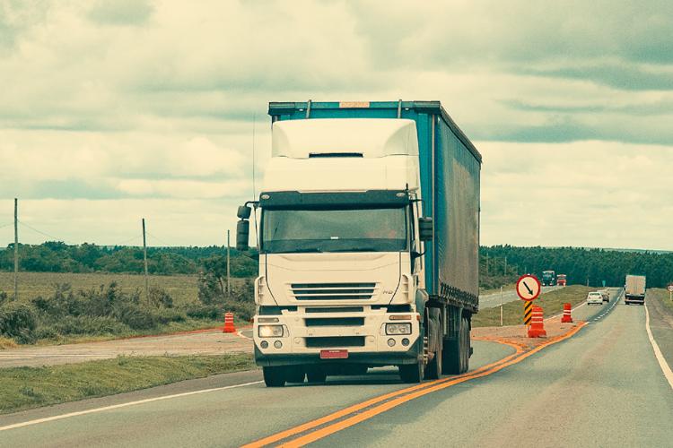 Transporte rodoviário tenta se manter firme, apesar das dificuldades - Crédito: Divulgação