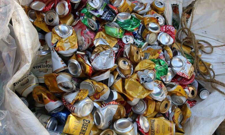 Brasil fecha 2020 entre os maiores recicladores de latas de alumínio - Crédito: © Rovena Rosa/Agência Brasil